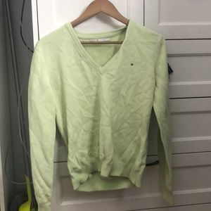 🌸3 for $25🌸 Tommy Hilfiger pullover